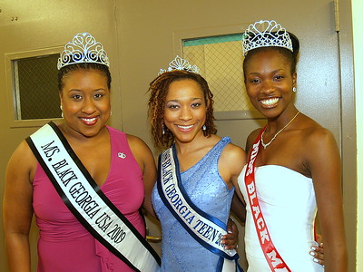 (L) to (R) Ms. Black Georgia 2009, Miss Black Georgia Teen and Miss Black Macon, Georgia.