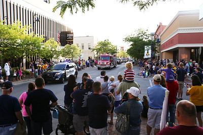 Ken Kadwell/@KenKadwell - Special to the Sun Broadway street is lined in a show of support as a parade heads through celebrating the Oiler's Division 2 state champion baseball team Thursday, June 19, 2014.  The Oilers finished the season with a record of 32-8-1.