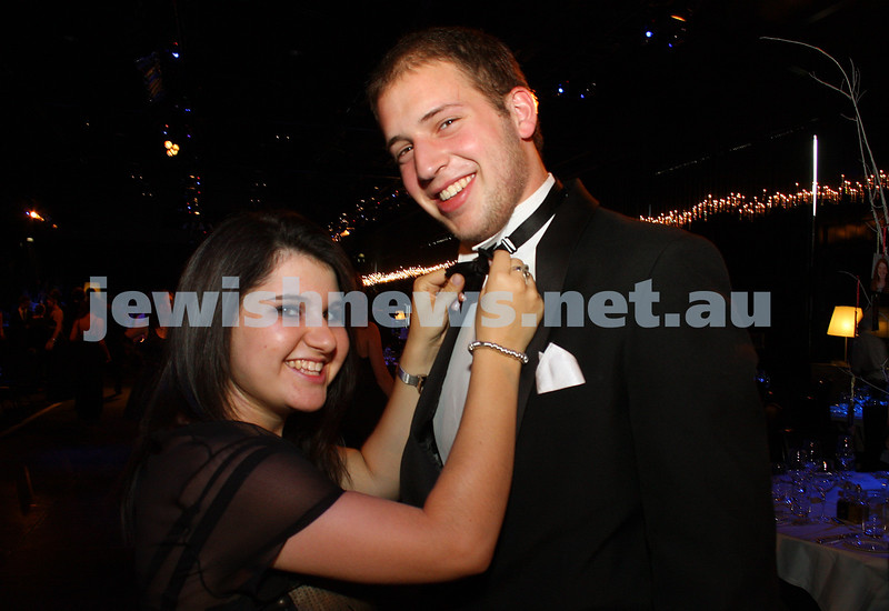 24/11/09. Mt Scopus Graduation Ball 2009. Dayna Cohen, Zach Littmann. Photo: Peter Haskin