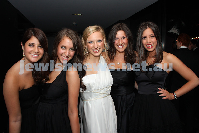24/11/09. Mt Scopus Graduation Ball 2009. From left: Becky Robinson, Chloe Gregor, Natalie Rathner, Olivia Kenny, Yael Hammerschlag.  Photo: Peter Haskin