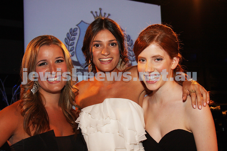 24/11/09. Mt Scopus Graduation Ball 2009. From left: Issie Hoffman, Eleanore Kiffer, Samantha Cahn. Photo: Peter Haskin