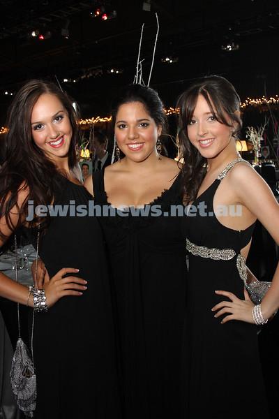 24/11/09. Mt Scopus Graduation Ball 2009. From left: Tallia Simovitz, Lisa Jedwab, Nikki Whitman. Photo: Peter Haskin