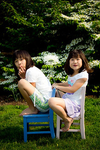 Girls on Chairs-0209