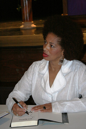 "Terry McMillan <br /> Agnes Scott College <br /> September 14, 2010 <br /> <br /> Signing her new book "" Getting to Happy"""