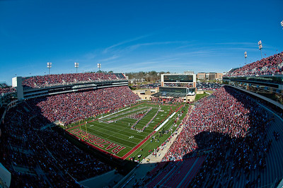 Sports-Football-Reynolds Razorback Stadium-3