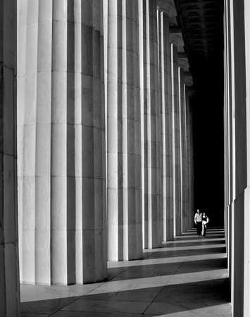 Lincoln Memorial Couple - 2005 **