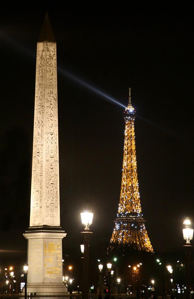 2 24 07 Place de la Concorde Eiffel Tower 2