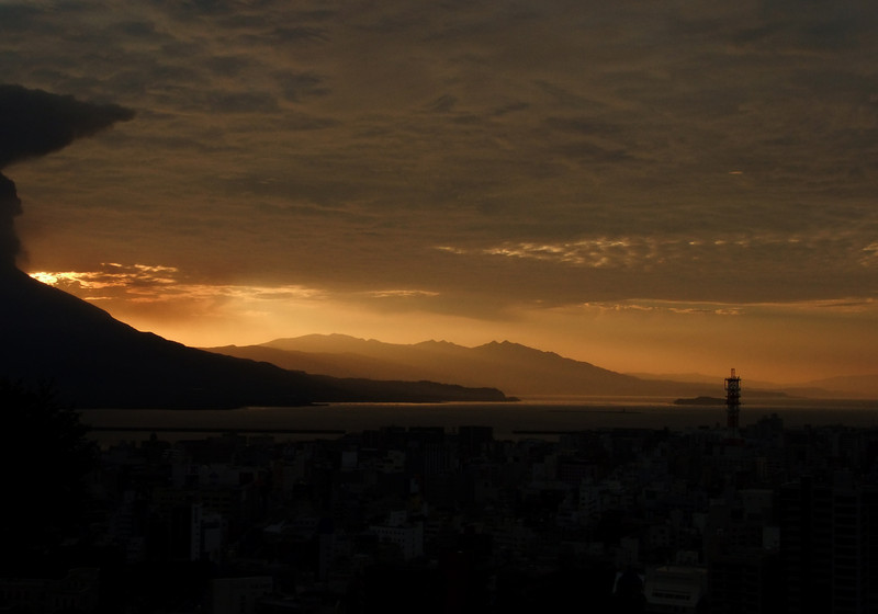 Kagoshima Bay from Shiroyama:  2009 October 11, sunrise.