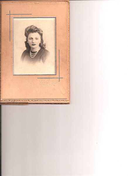 Aunt Yolanda( Linda Lamendola)