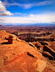 A sort of 'main attraction' at the Canyonlands National Park, Utah. Here, you almost 'step off' into the canyon along this terrific rim walk.  If you are apprehensive about heights, you will feel challenged, but the results may be worth it.