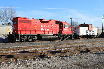 Trains 11-2009 005