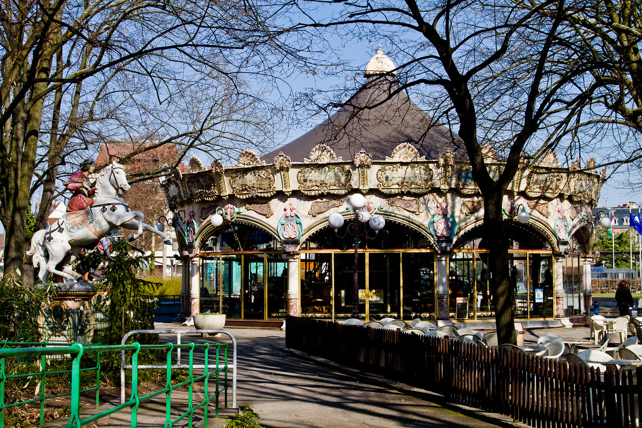 The air is clear, but very crisp (cold) and the wind seems to never cease in the first week of March in Alsace (Colmar Centre), France. Color, and tradition are everywhere. This tiny village/city is well worth the effort from Paris and only 30 minutes south of Strasbourg with trains running all day long for just a few Euro €.