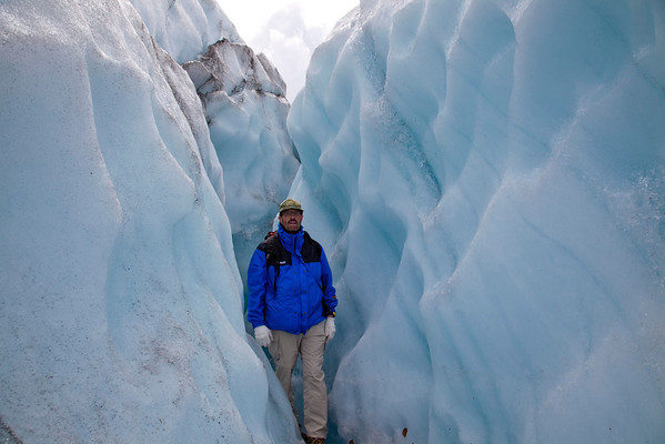 0576 - Me wedged in ice canyon