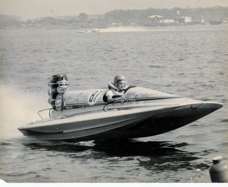 Glastron Race Boat 87