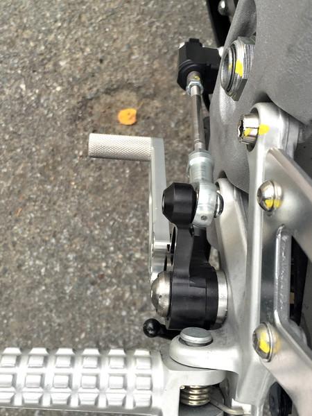 Woodcraft GP shift lever on Tuono 1100