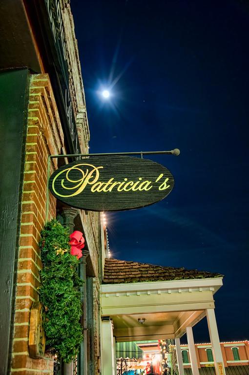 Patricias-on-the-SQ-Night-shot