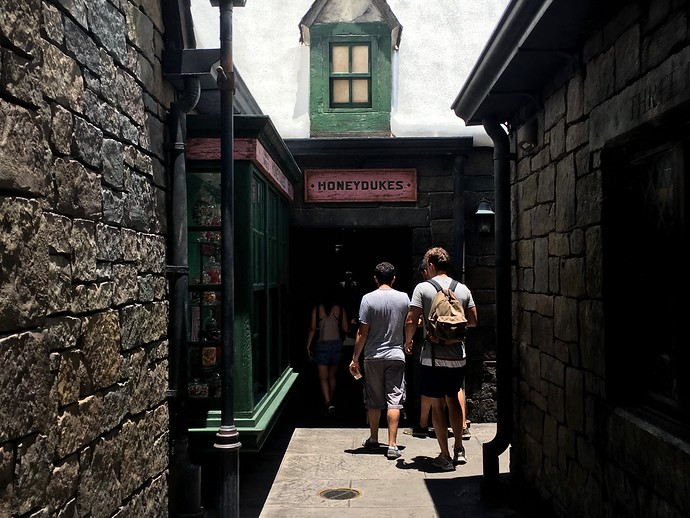 honeydukes alleyway