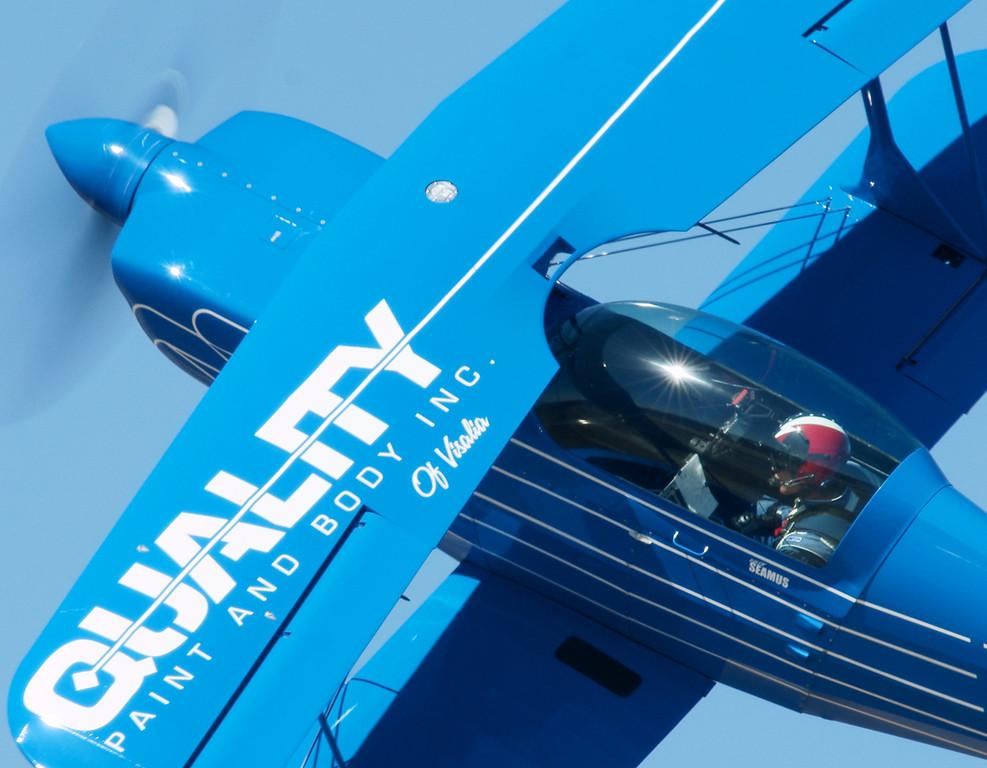 DSC06082 blue pitts pilot close up