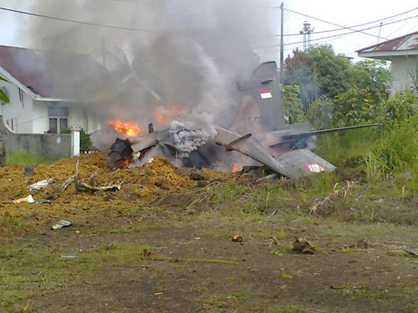 tni_hawk208_tt0212_crash_002