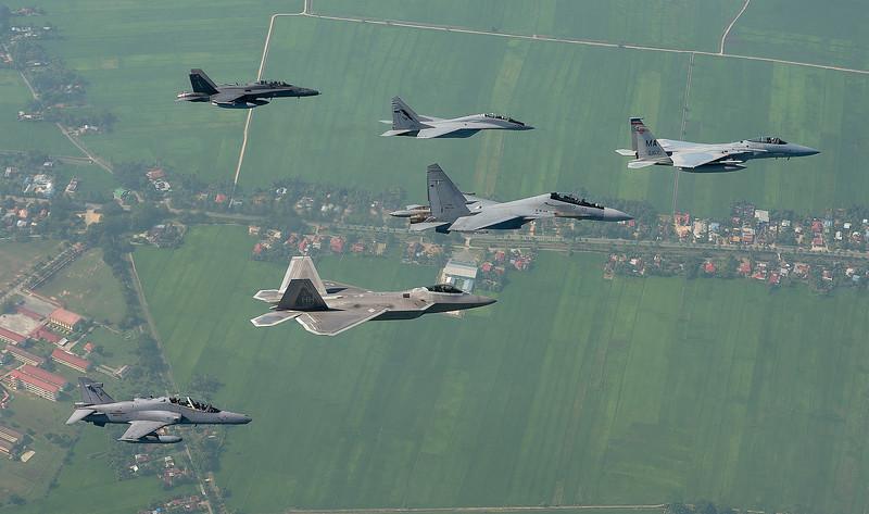RMAF_USAF_Cope_Taufan_2014_003crop
