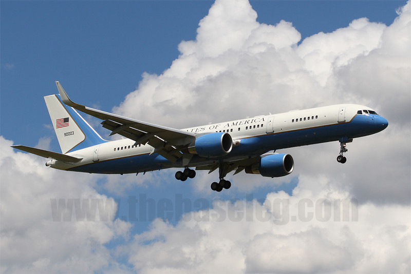 USAF Boeing C-32A (757) 99-0003 carrying US Secretary of State Hillary Rodham Clinton landing in Melbourne, Australia.