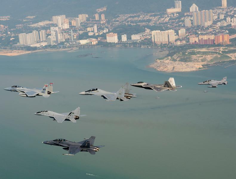 RMAF_USAF_Cope_Taufan_2014_002crop