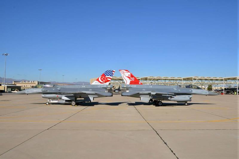rsaf_f16d_965035_965034_425fs_20_anniversary_jets