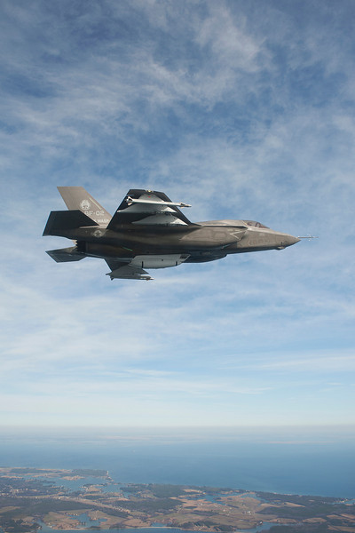 Variant: BF-02; Flight 159.  Test Pilot: Dan Levin; First flight with AIM-9X/Pylons/Gun Pod.