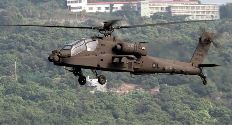 ROC_Army_AH-64E_Apache_001
