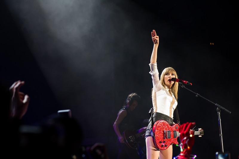Taylor Swift 061413-376