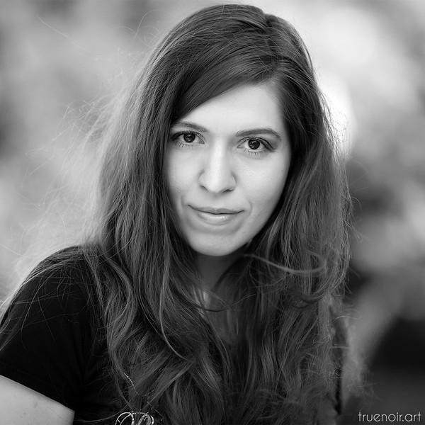 Oksana Ossipov, portrait
