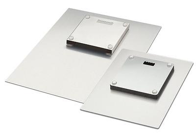 metal-print-hangers