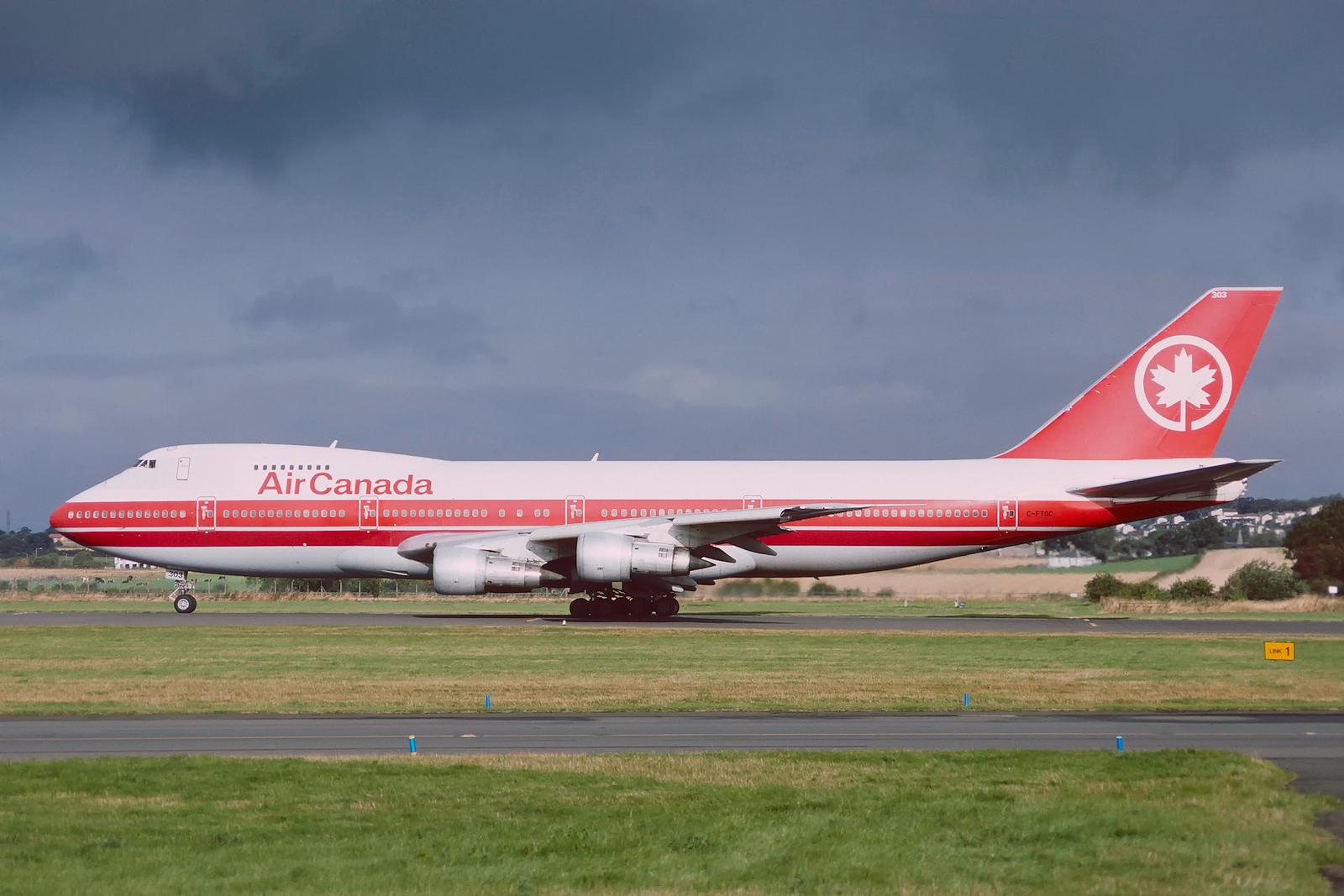 C-FTOC Boeing 747-131 Air Canada Glasgow August 1992