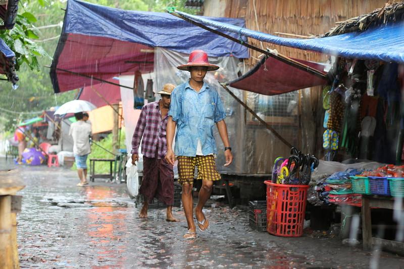monsoon in Laputta