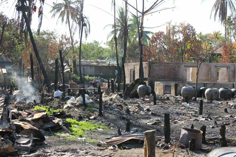 A fire burned half of Kanbet in the delta