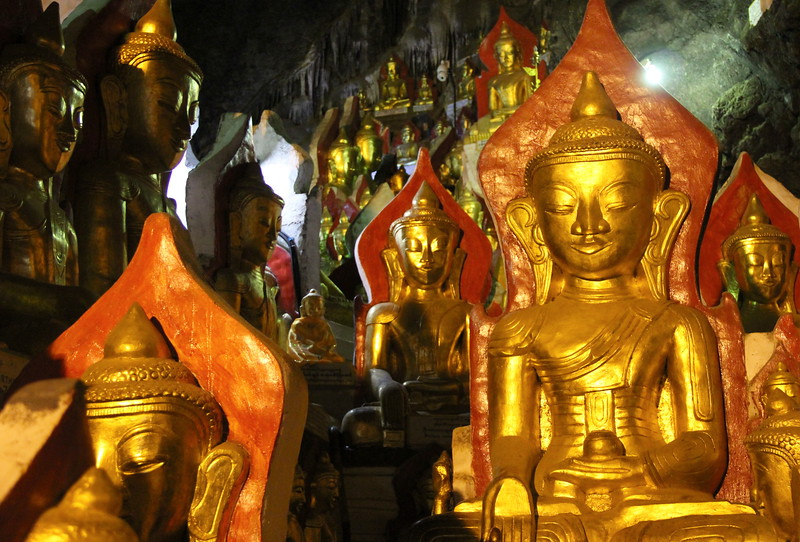 buddhas in a cave - pindaya, shan state