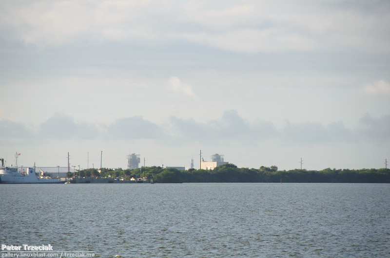 Delta II with GRAIL on the launch pad