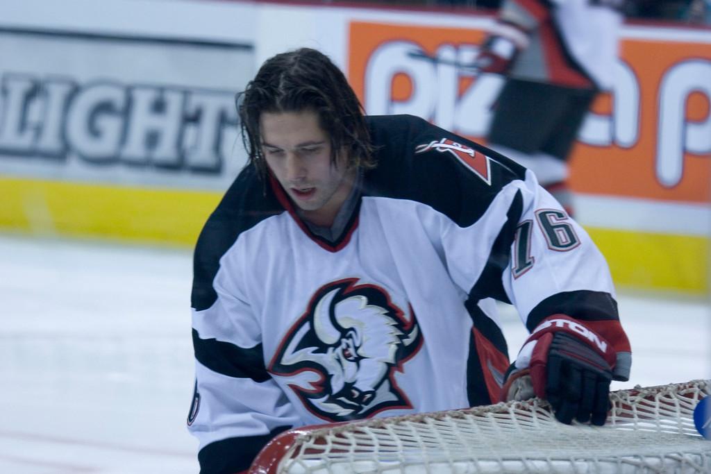 #76 Andrew Peters