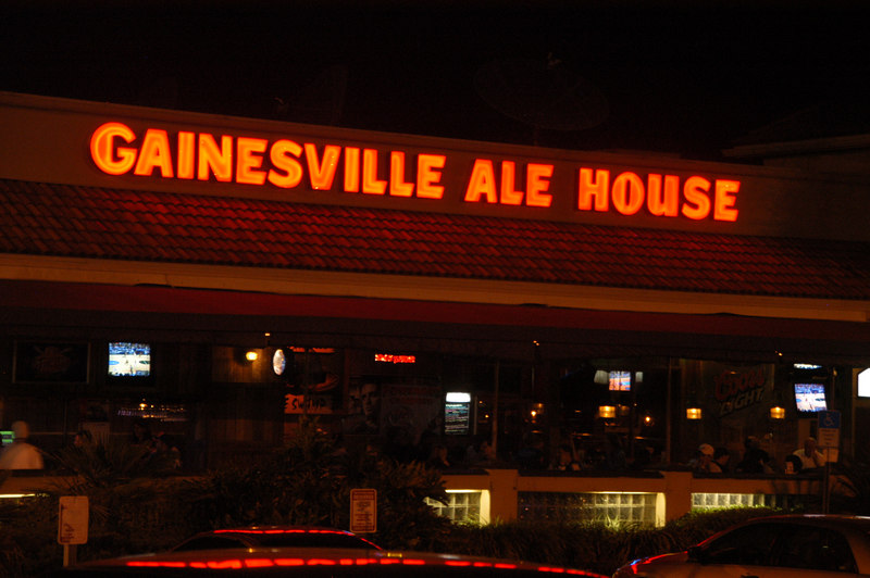 The Ale house in Gainesville is the Place to see just about every Pro racer and crews at the track.
