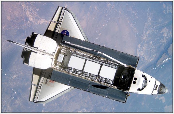 """""""ATLANTIS IN ORBIT"""", US space shuttle, photo NASA.-----""""ATLANTIS V ORBITU"""", US raketoplan, foto NASA."""