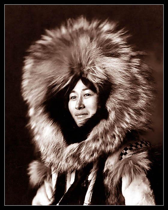 """ESKIMO LADY"" by unknown.Alaska, USA.-----""ESKYMACKA"", fotograf neznamy.Aljaska, USA."