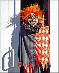 """CREEPY  CLOWN""."