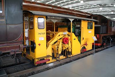 74/007 4w Track Maintenance Machine   24/06/12