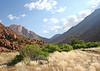 "brandberg mountain:  google earth: 21º06'04.27""S  14º40'43.11""E"