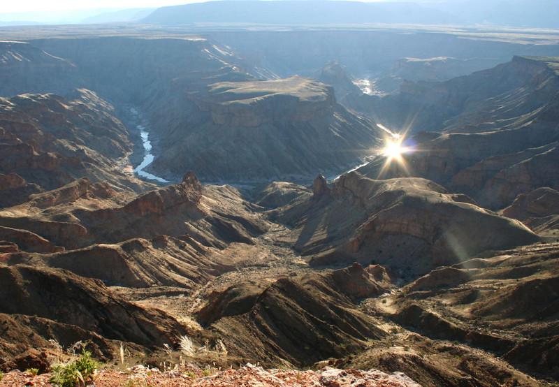 """fish river canyon.  google earth: 27º34'58.79""""S  17º36'42.20""""E"""