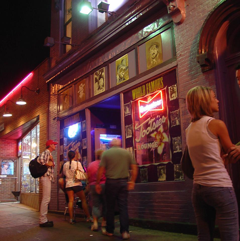 Outside Tootsie's in Nashville