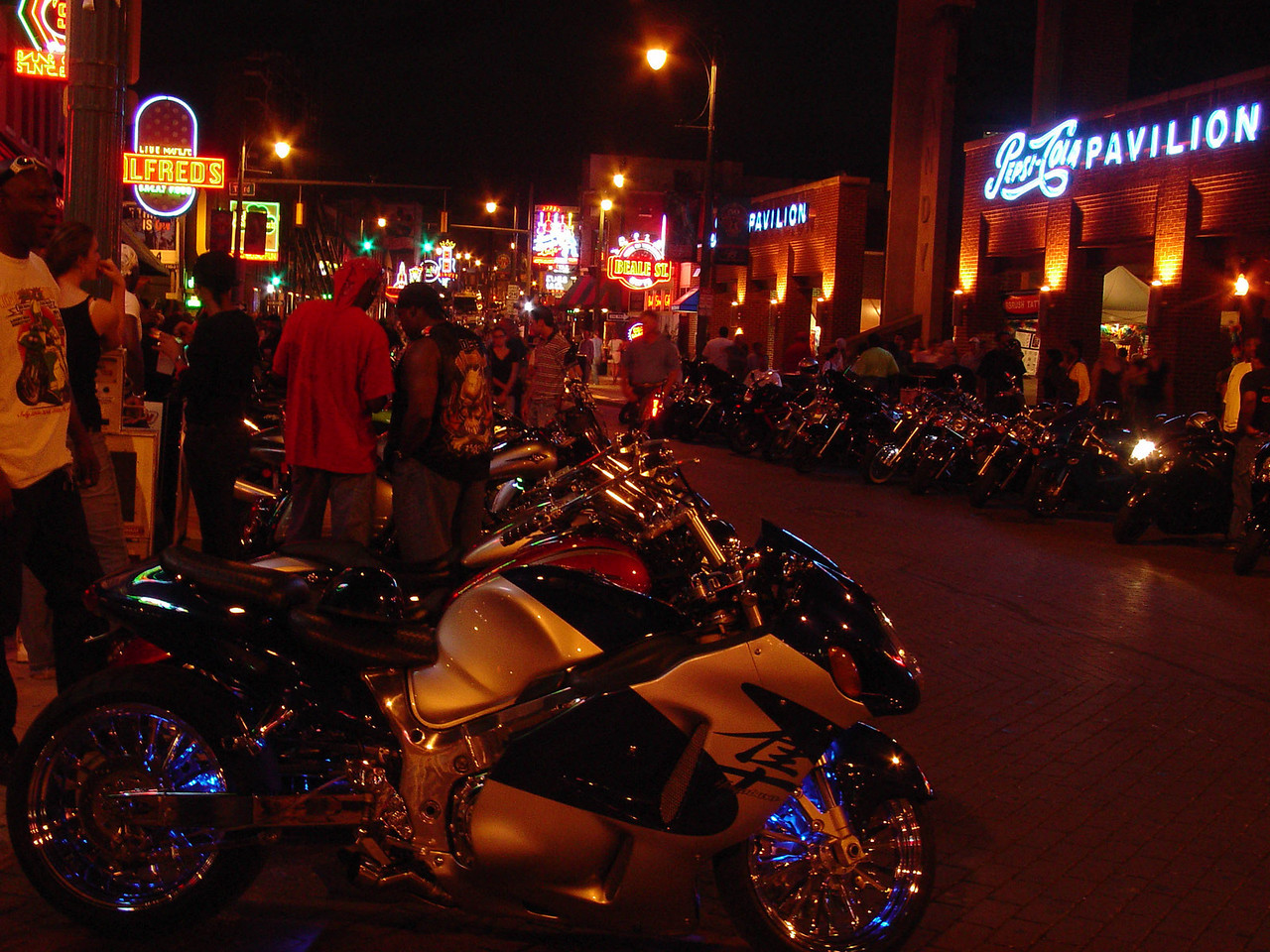 Custom in neon on Beale Street, Memphis