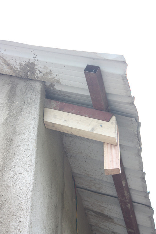 "EXPLANATION;<br /> a "" distance beam "" is the board that defines where the fascia sits, in relation to the roof. Or the distance from the wall to the fascia.<br /> The "" vertical runner "" is the board used to establish and allow for slope in the gutter."