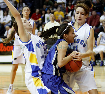 Peñasco High School vs Navajo Pine High School during the state girls basketball tournament at the Santa Ana Star Center in Albuquerque, N.M. on Mar. 10, 2011. Natalie Guillén/The New Mexican