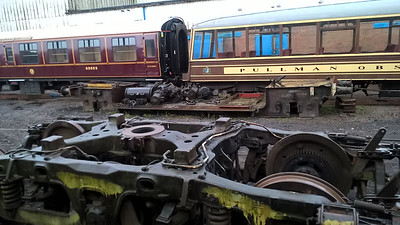 Grounded Lowmac thought to be DB230966 at Burton Nemesis Depot   28/04/16.